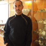 Juan Carlos junto a su colección